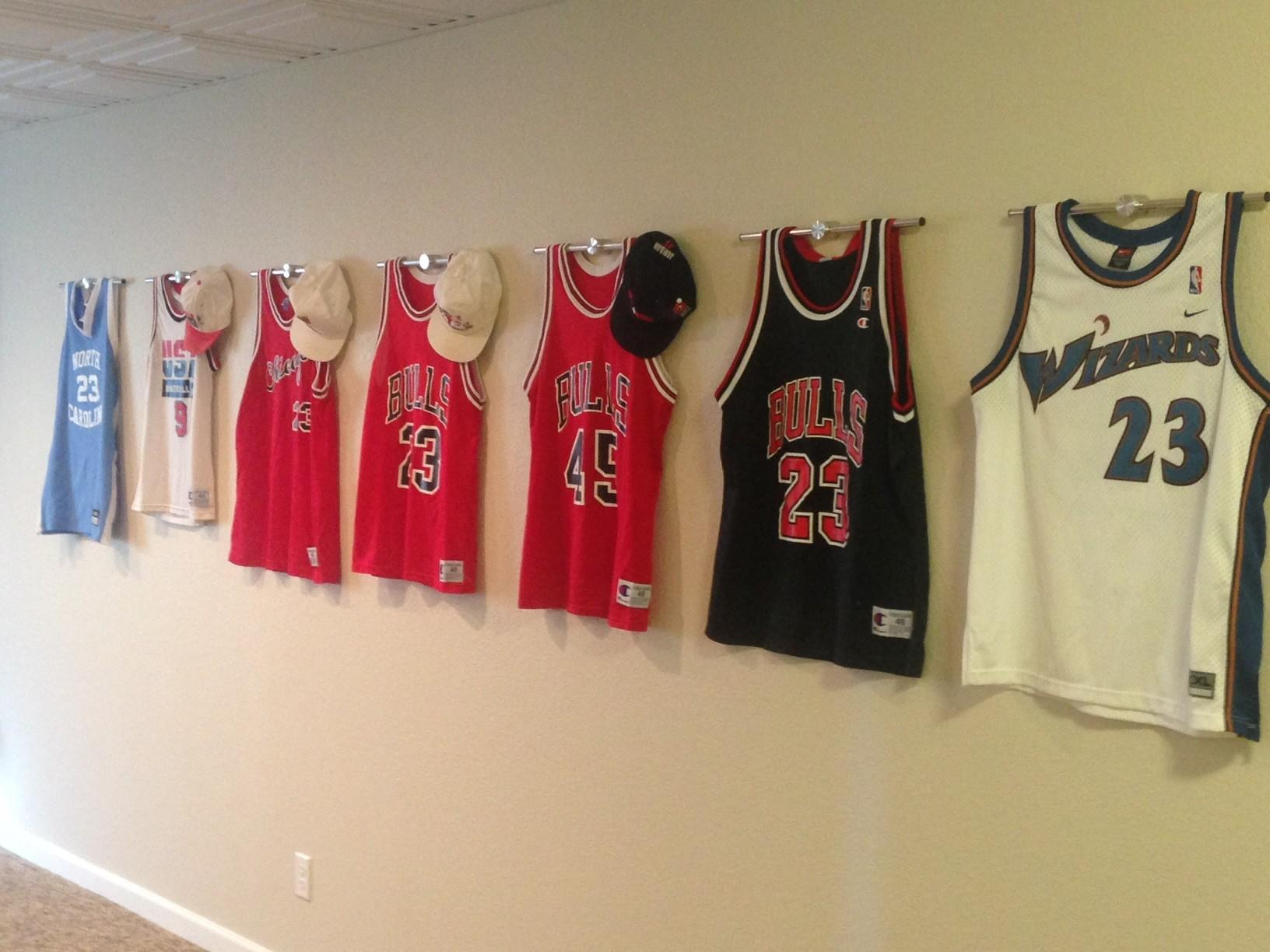 Hanging Jerseys Wall 8616