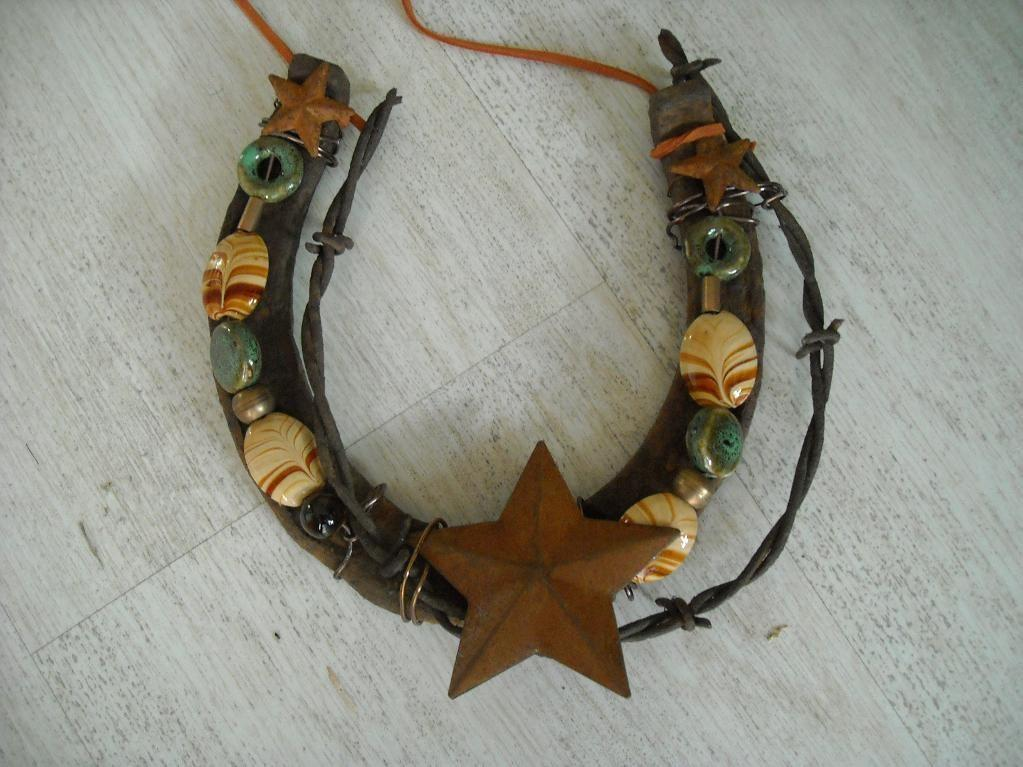 Have See Decorated Horse Shoe Craftsy