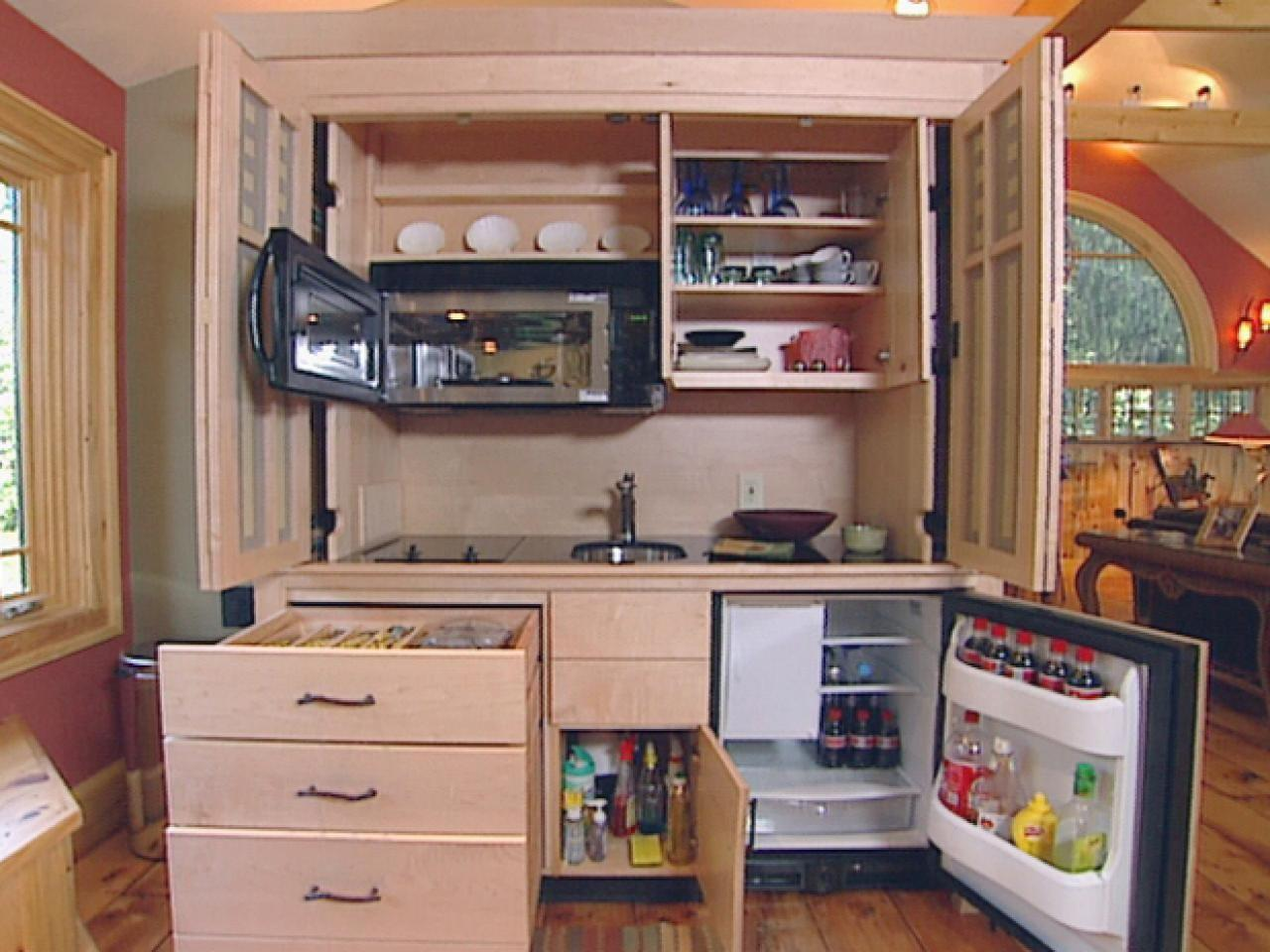 Hidden Kitchen Reveals Clever Solution