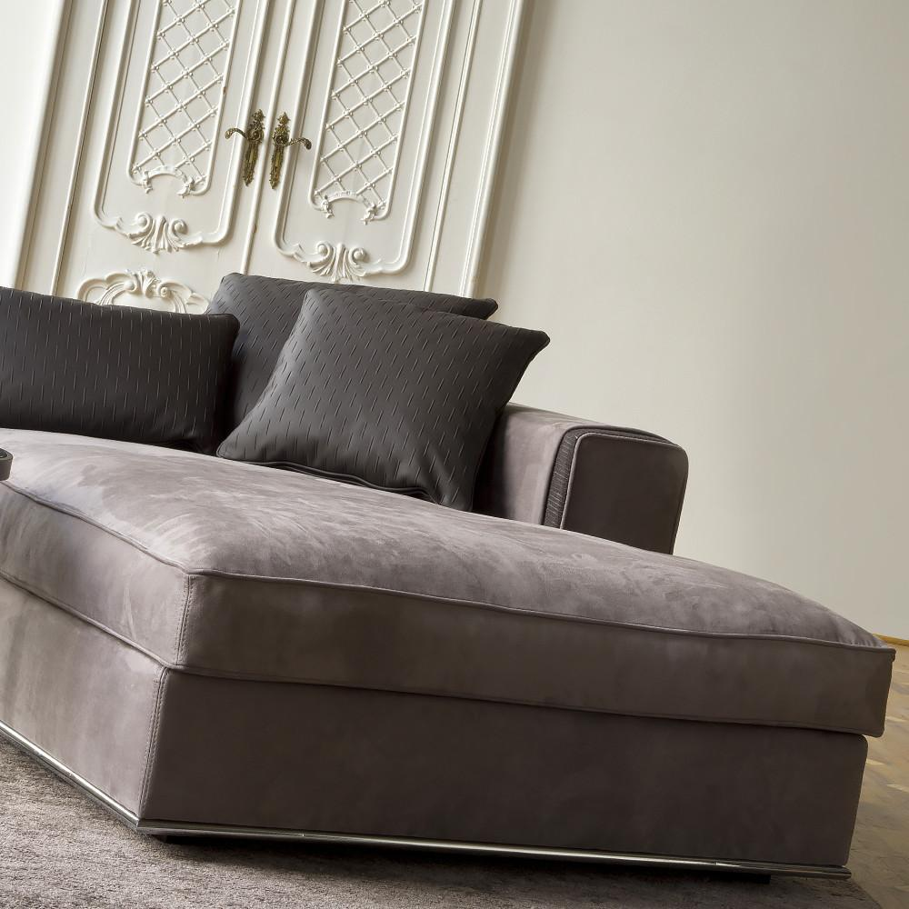 High End Contemporary Italian Leather Chaise