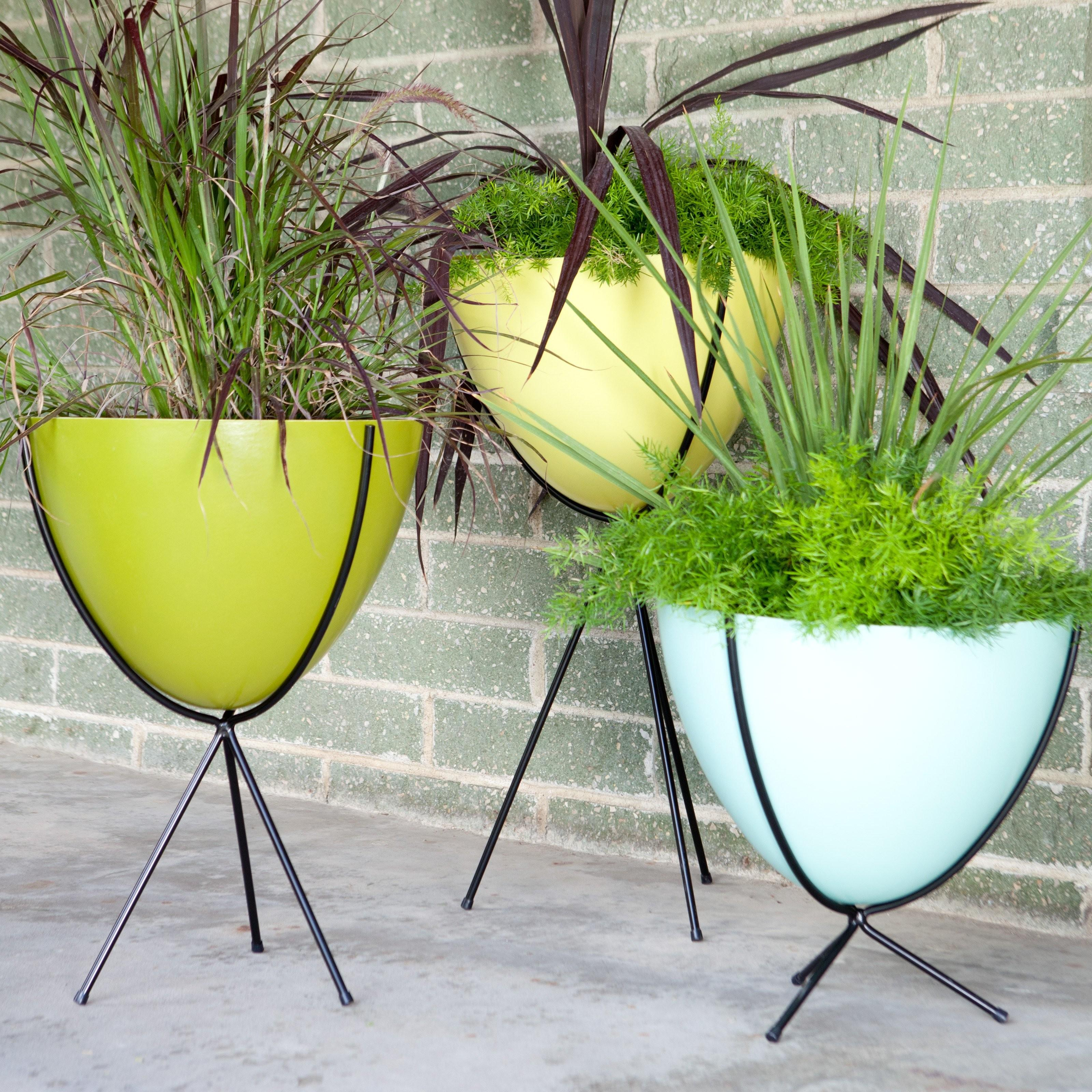 Hip Haven Retro Bullet Fiberglass Planter Steel Stand