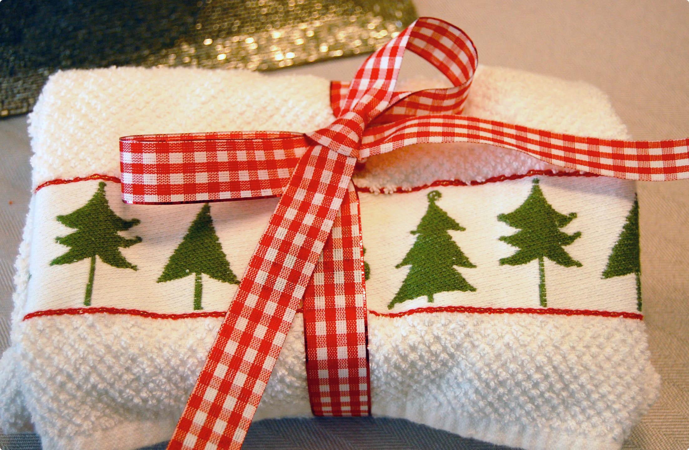 Holiday Wrap Unique Gift Wrapping Ideas
