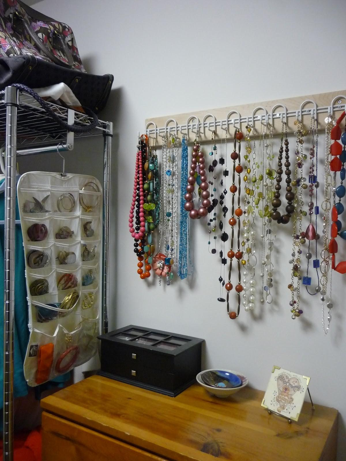 Holly Would She Could Diy Jewelry Storage Dummies