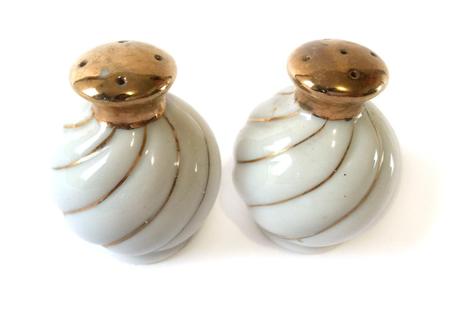 Hollywood Regency White Gold Salt Pepper Shakers