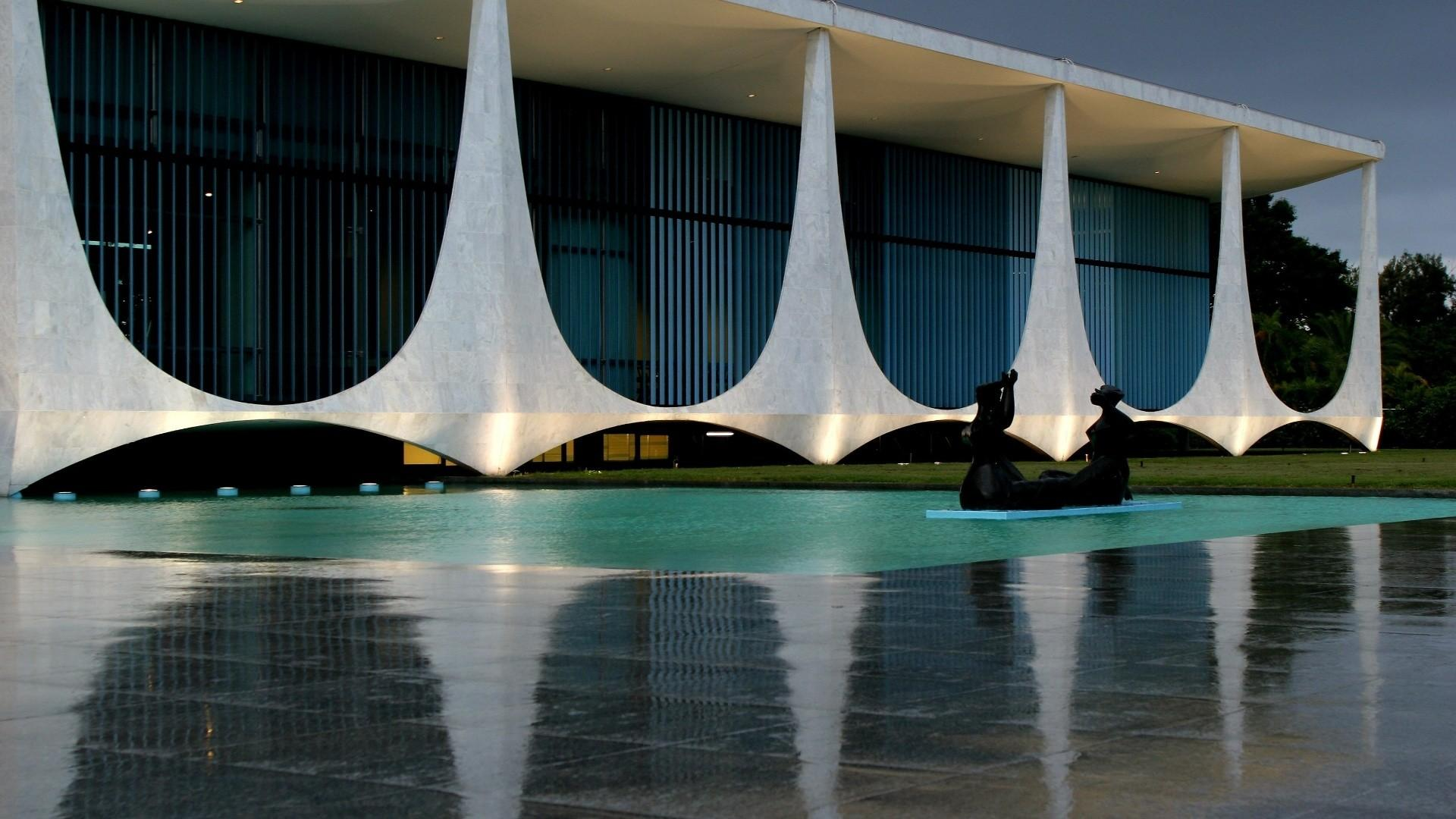 Homage Oscar Niemeyer Architexts Association