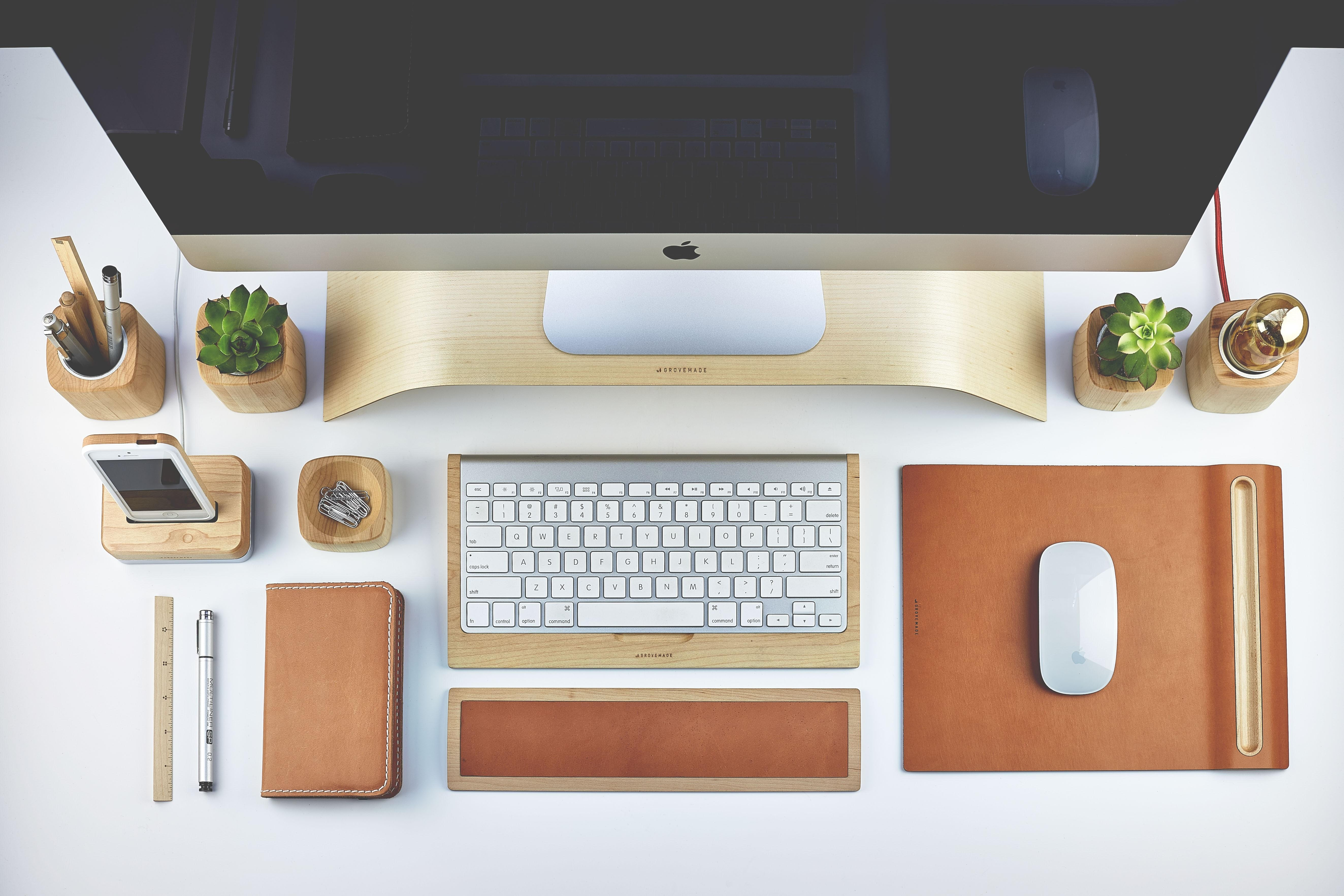 28 Comfy Desk Accessories Modern Office That Will Help You To Reuse Bottle Caps Photos Decoratorist