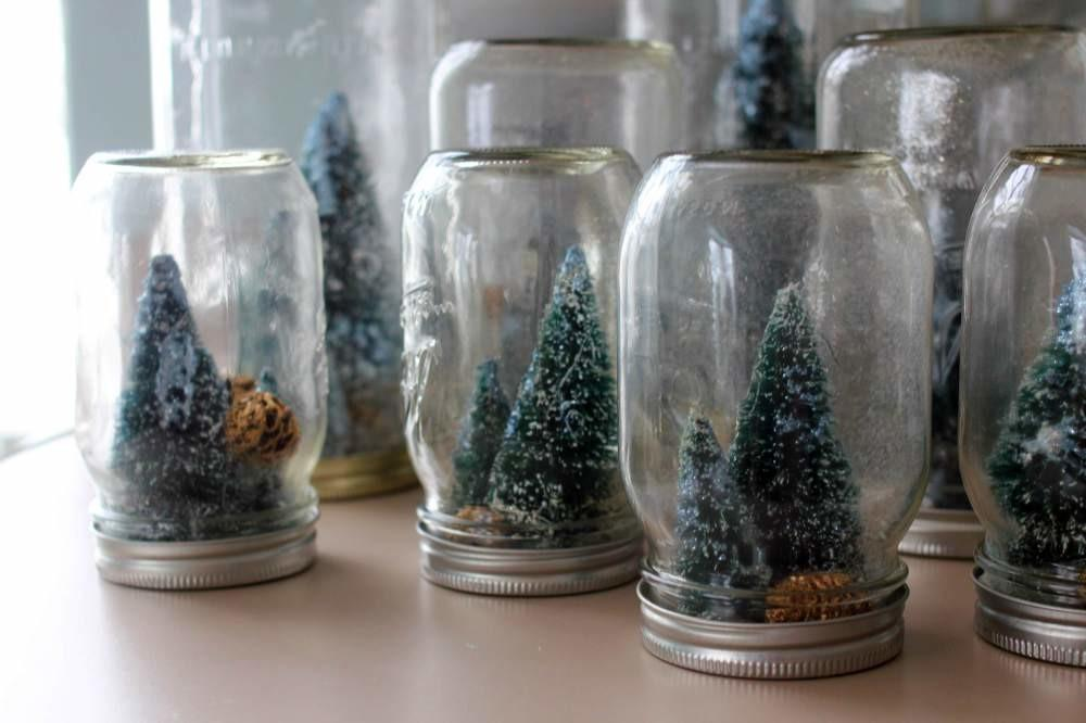 Homemade Holiday Mason Jar Snowglobes Tiny Sparkly