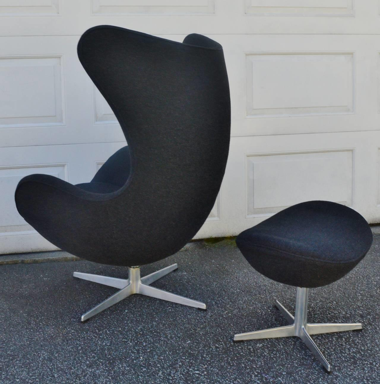 Iconic Arne Jacobsen Fritz Hansen Egg Chair