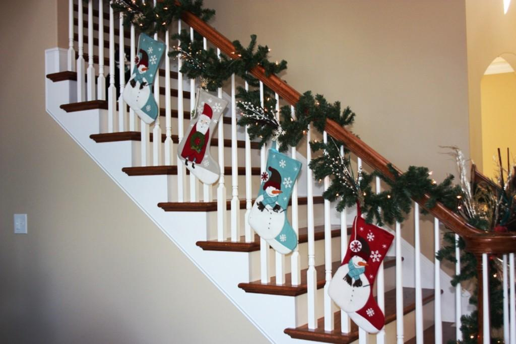 Ideas Christmas Staircase Decorations