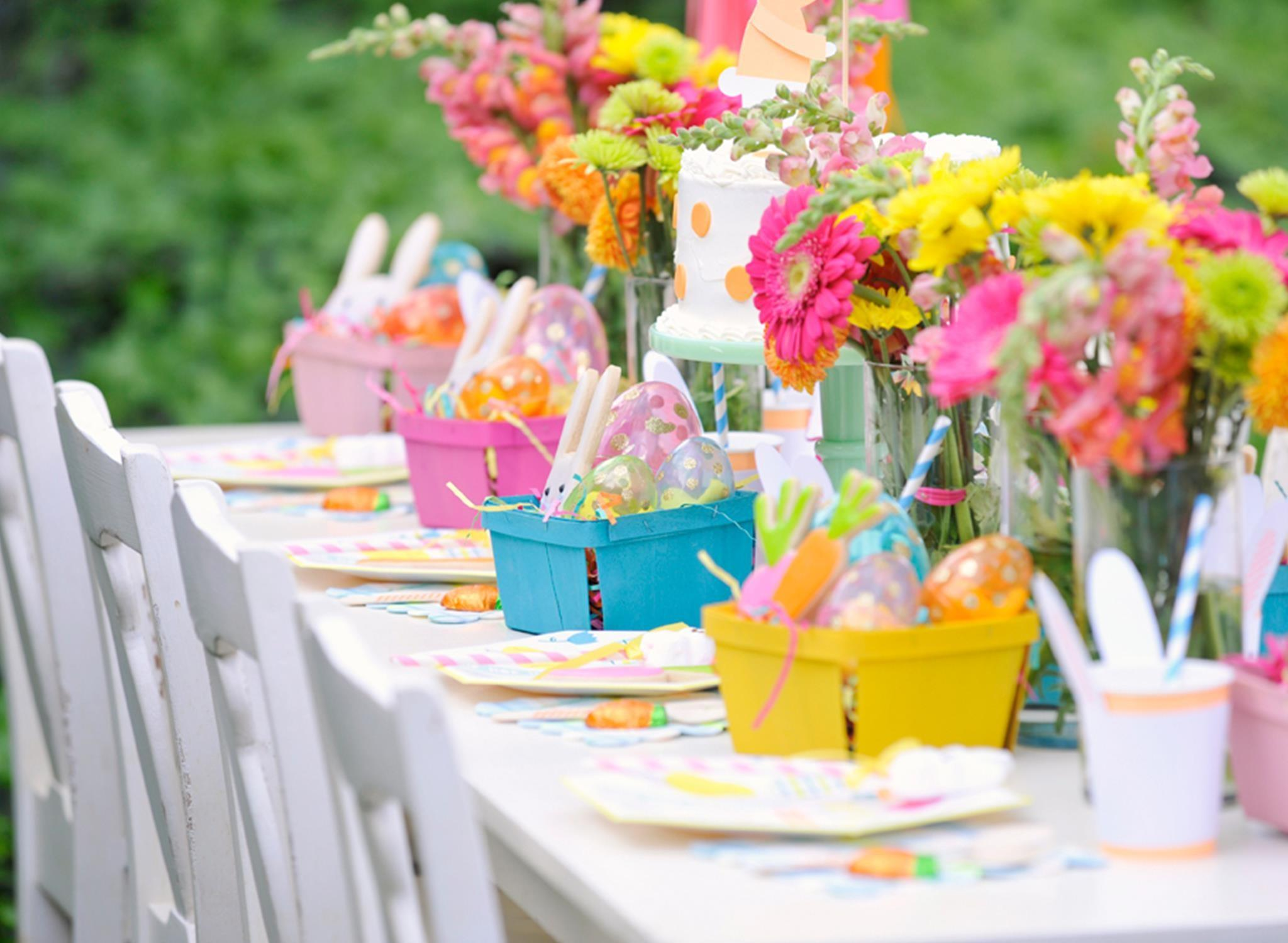 Ideas Decorating Your Affordable Easter Centerpiece