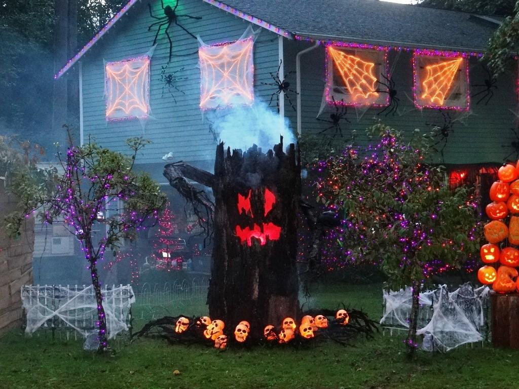 Indoor Outdoor Tree Halloween Decorations Ideas