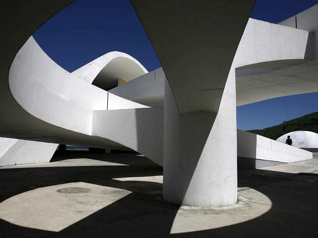 Influential Modernist Architect Oscar Niemeyer Dies Aged