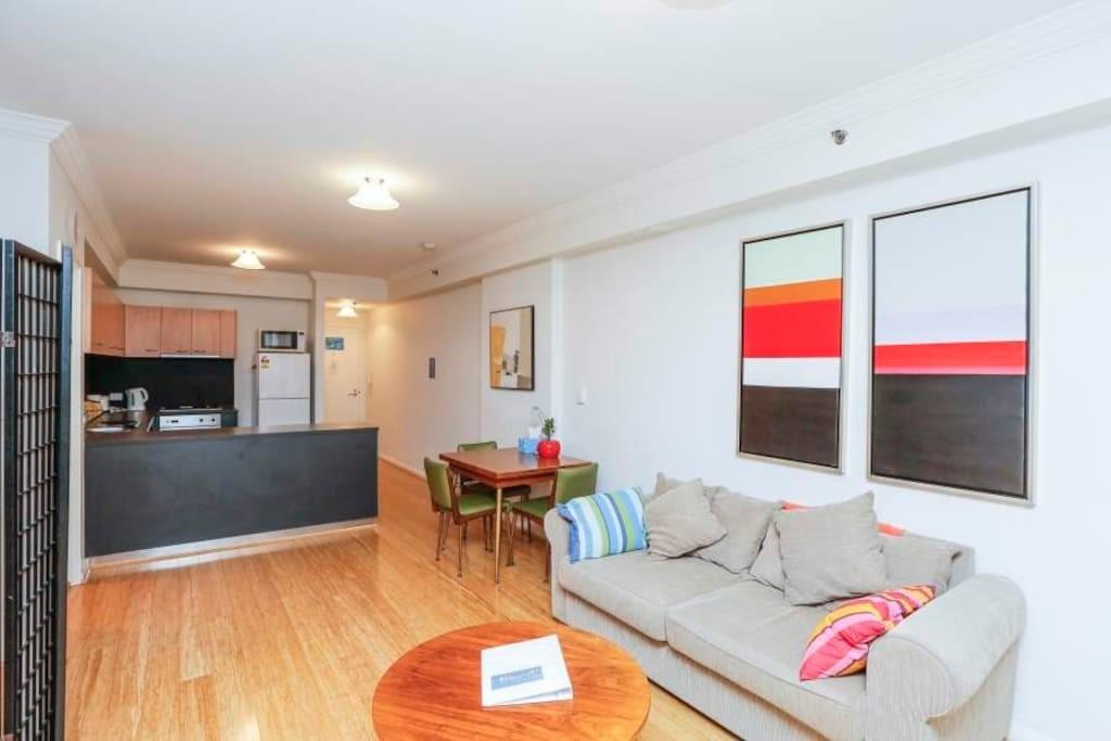 Inner City Appt Courtyard Apartments Rent