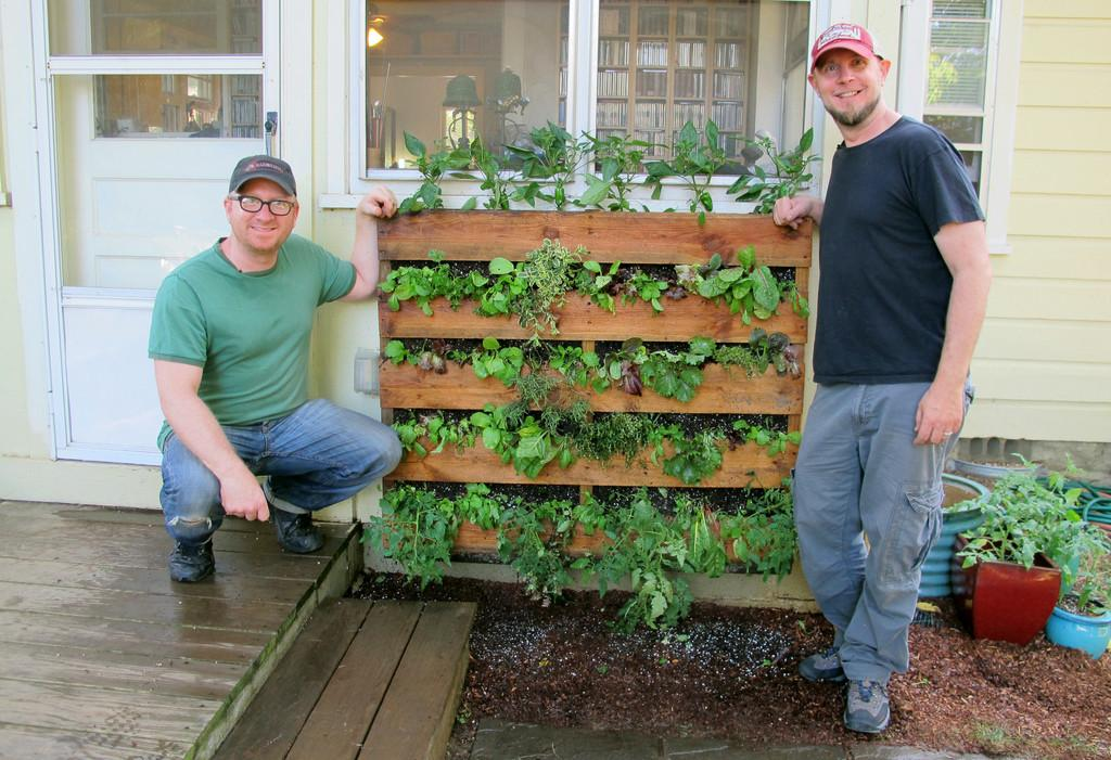 Innovative Diy Pallet Vertical Garden Ideas Easy