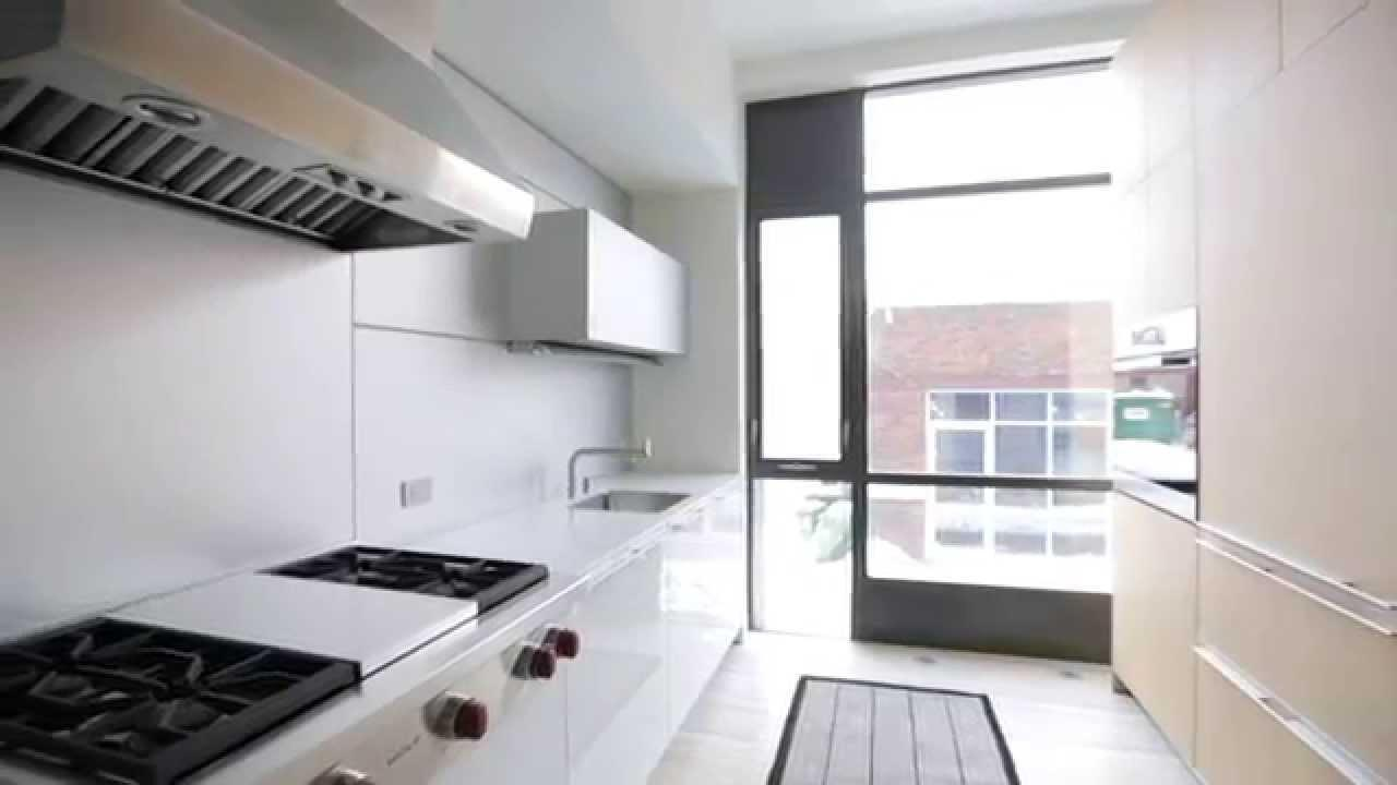 Interior Design Sleek Modern Bright Kitchen