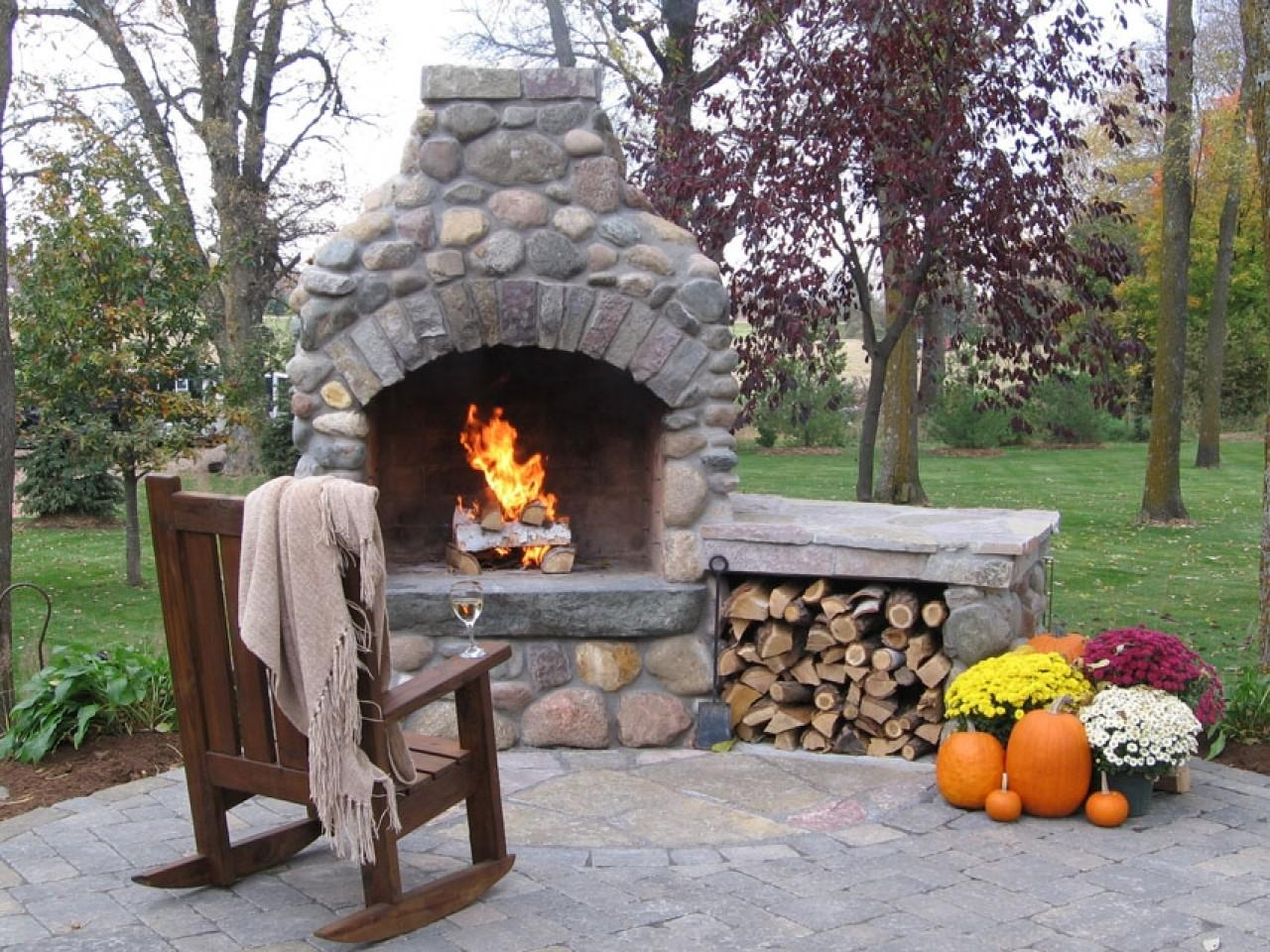 Interior Outdoor Fireplace Pizza Oven Small Bathroom