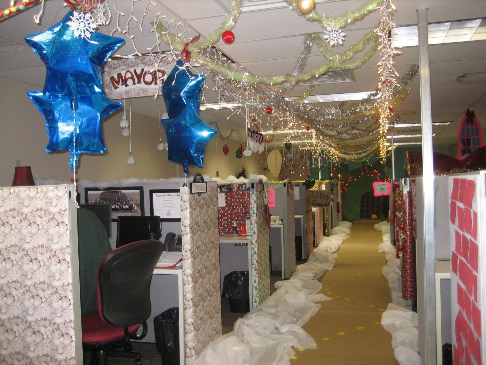Ivesons Christmas Office Decorating Contest
