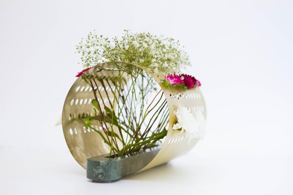 Japanese Ikebana Inspired Vases Create Unique Floral
