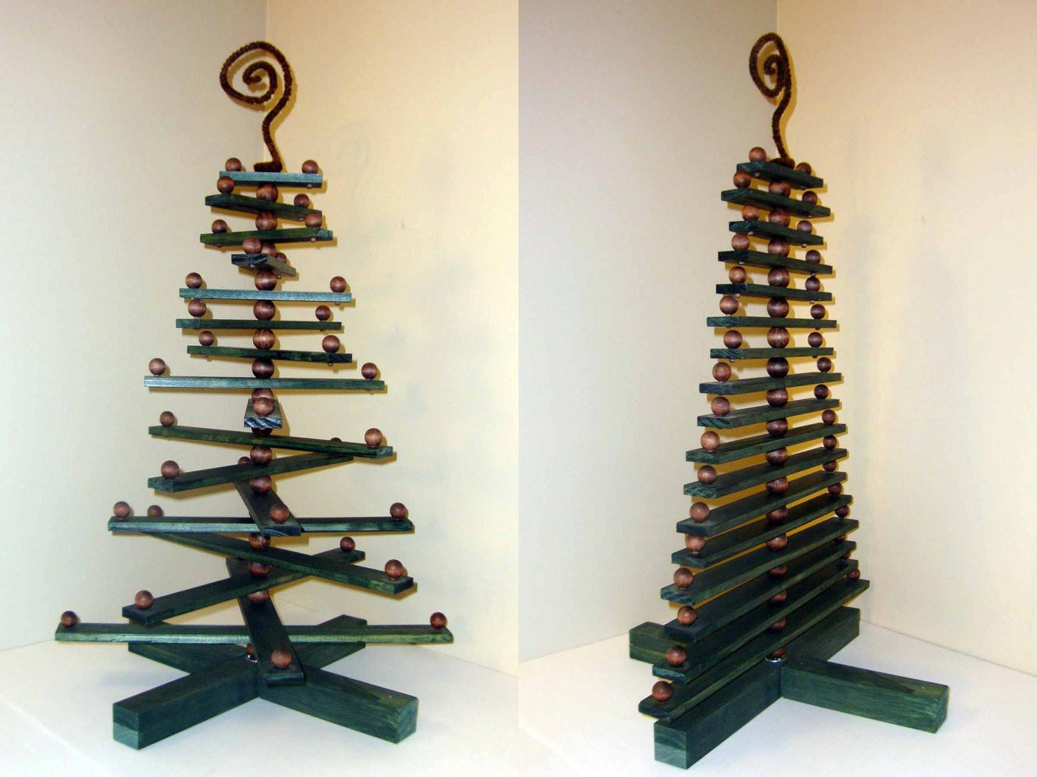 36 Most Popular Christmas Ornament Displays That Will Unwind You Photo Gallery Decoratorist