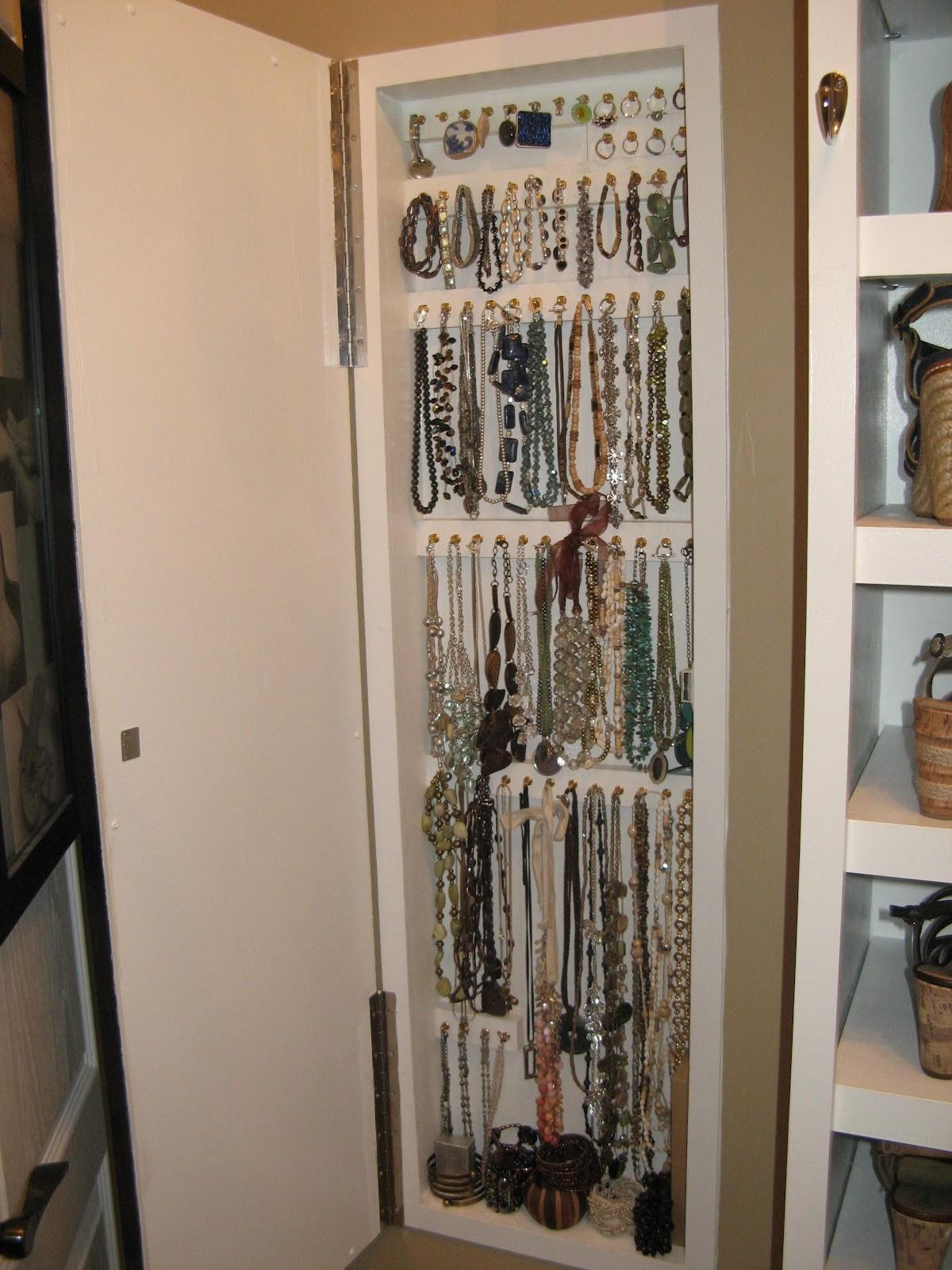Brand New Jewelry Storage Ideas That Will Ensure A Peaceful Rest Pictures Decoratorist
