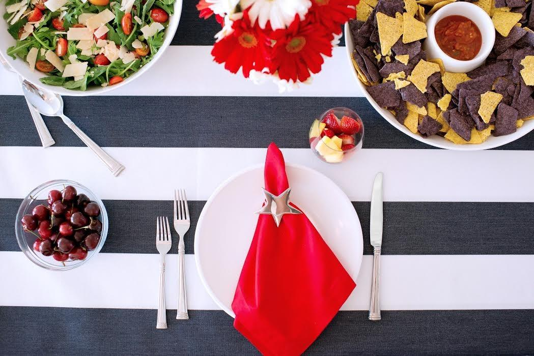 July 4th Outdoor Tablescape