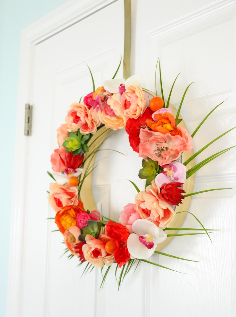Kailo Chic Life Craft Tropical Floral Wreath