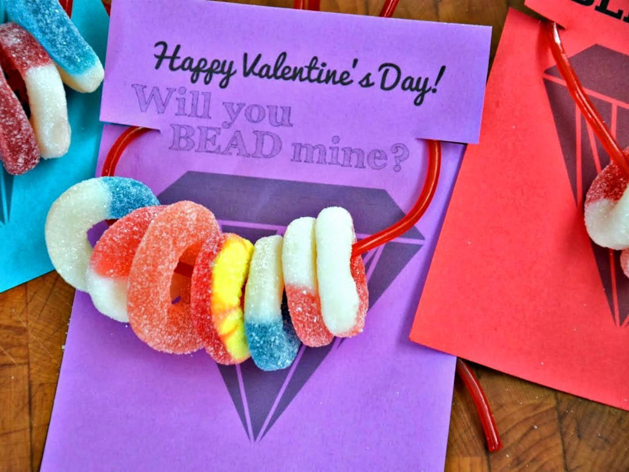 Kids Craft Candy Necklace Valentines