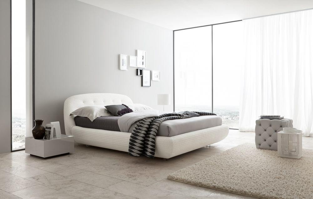 Lacquered Made Italy Leather High End Platform Bed