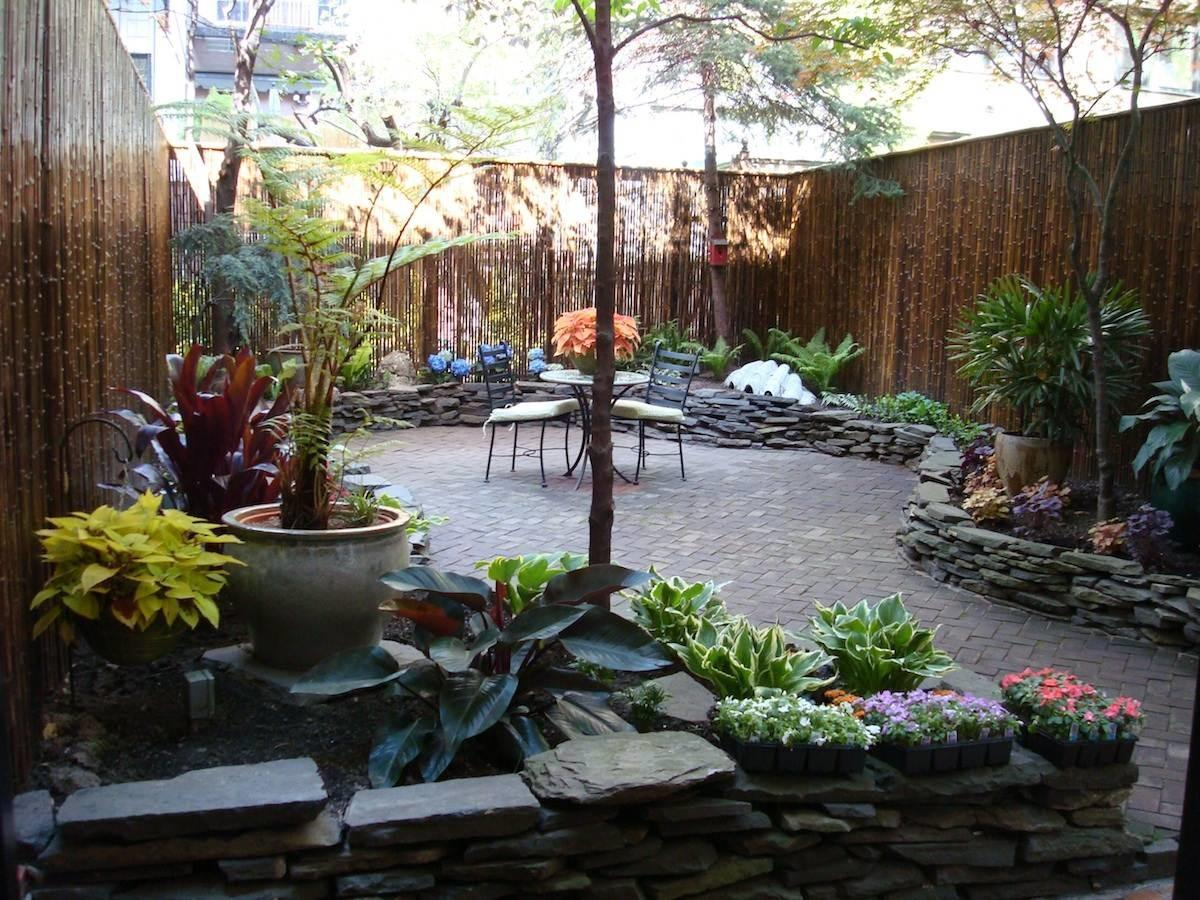 Landscaping Ideas Small Townhouse Backyard