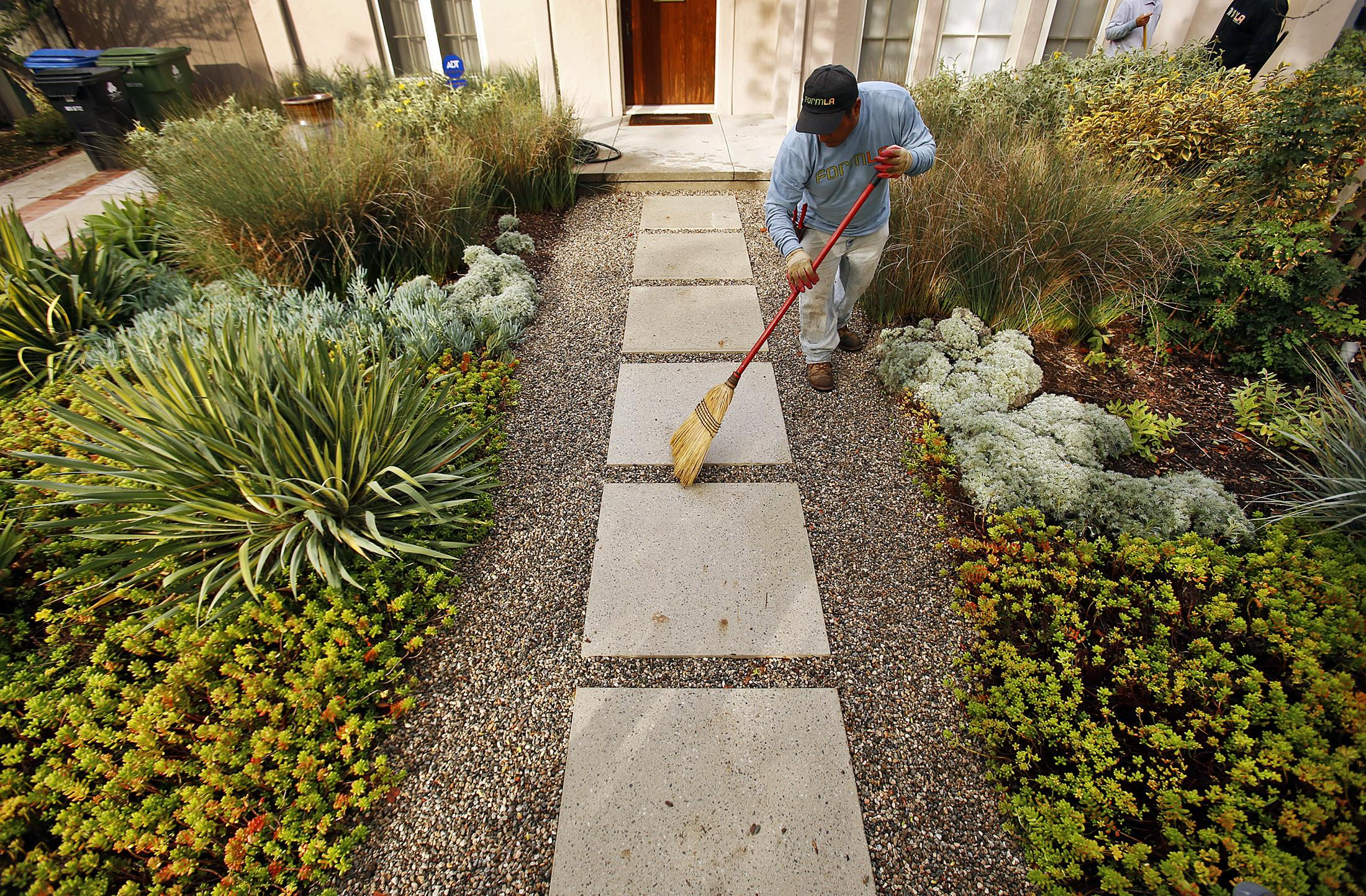 Landscaping Ideas Transform Your Yard Spring 2017