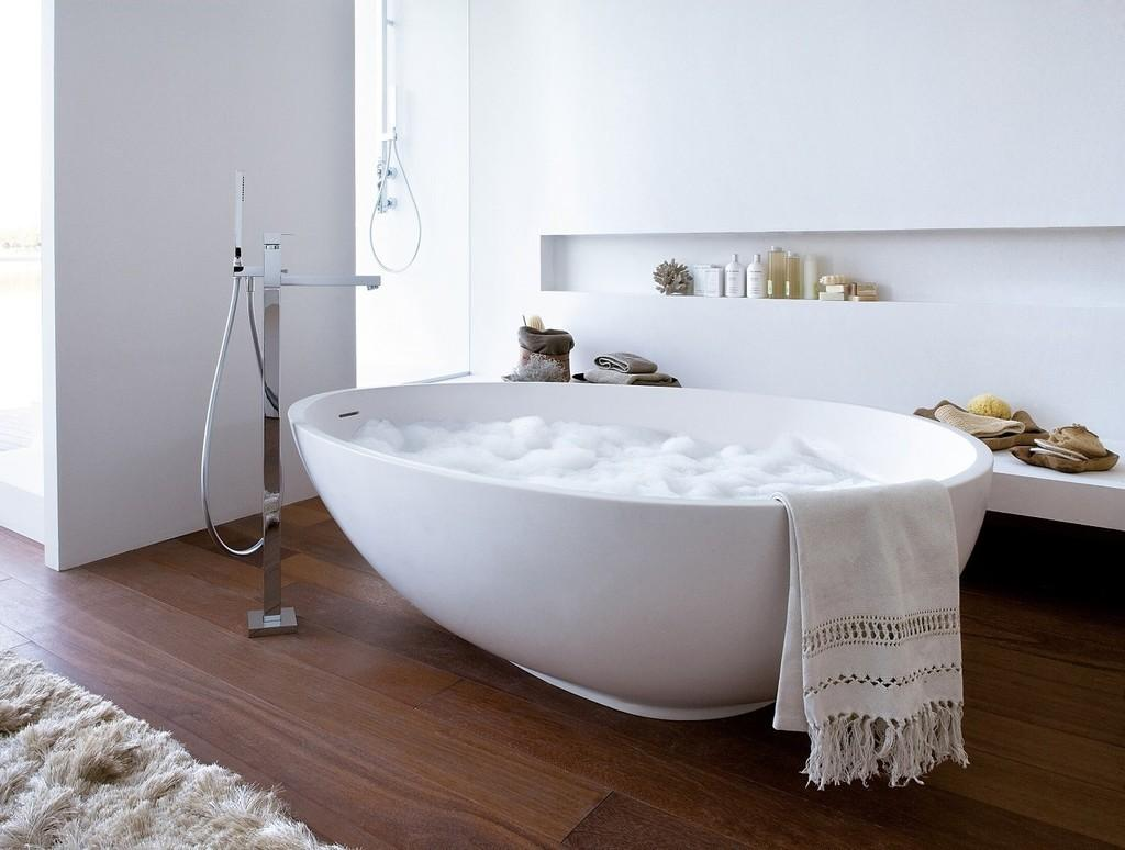 Large Freestanding Bath Currently