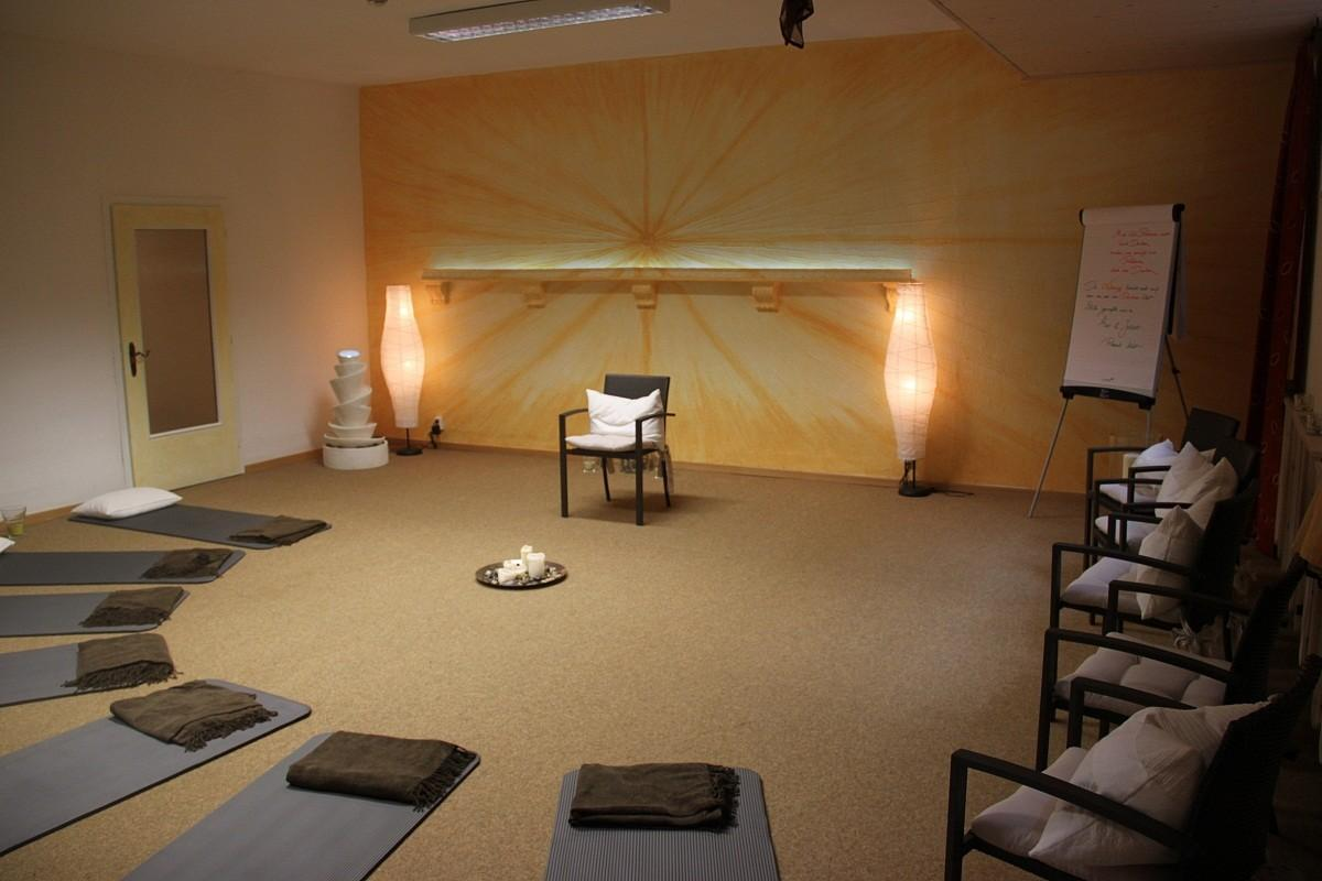 Large Meditation Room Design Brown Carpet Tiles