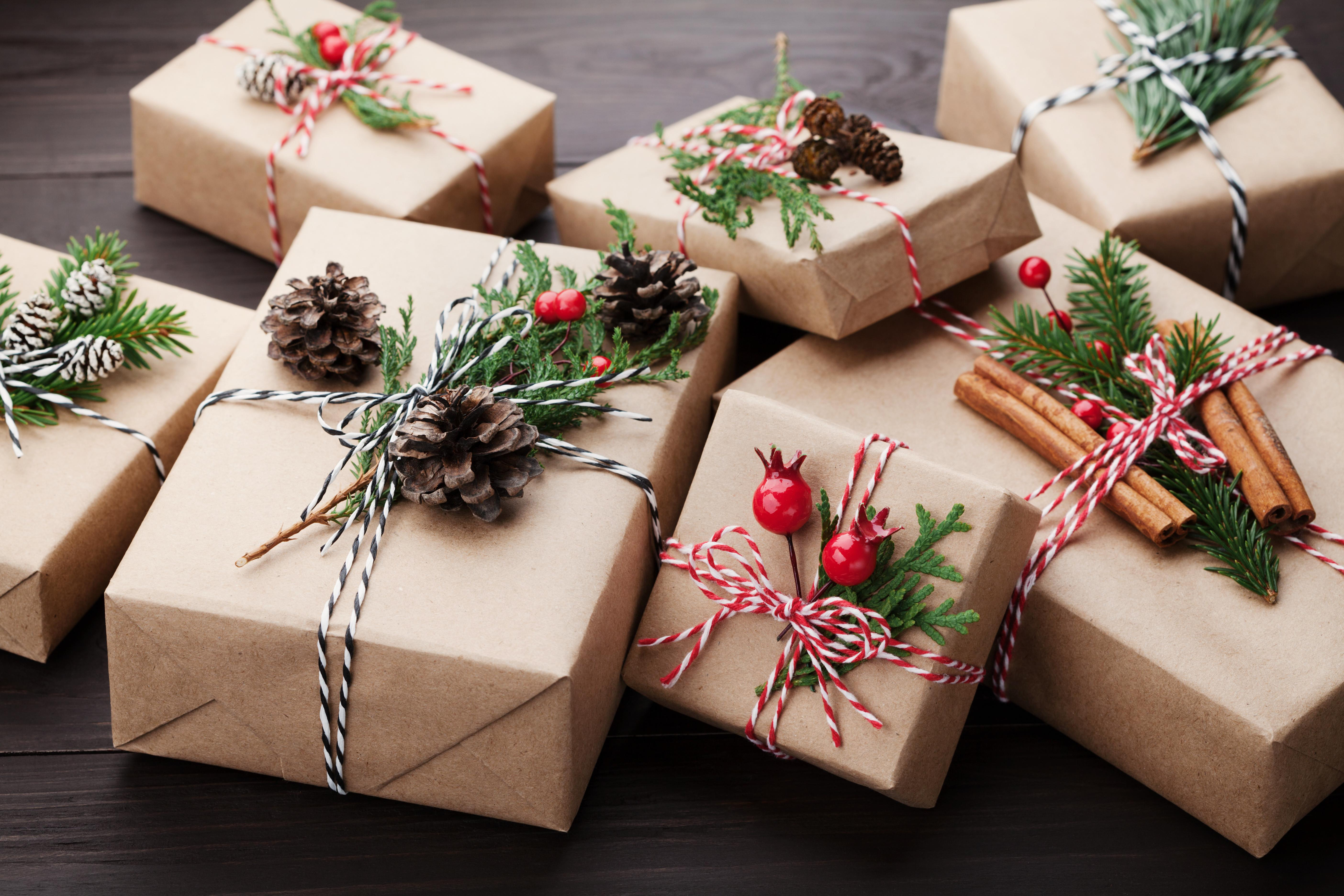 Last Minute Easy Gift Wrapping Ideas Robin Baron