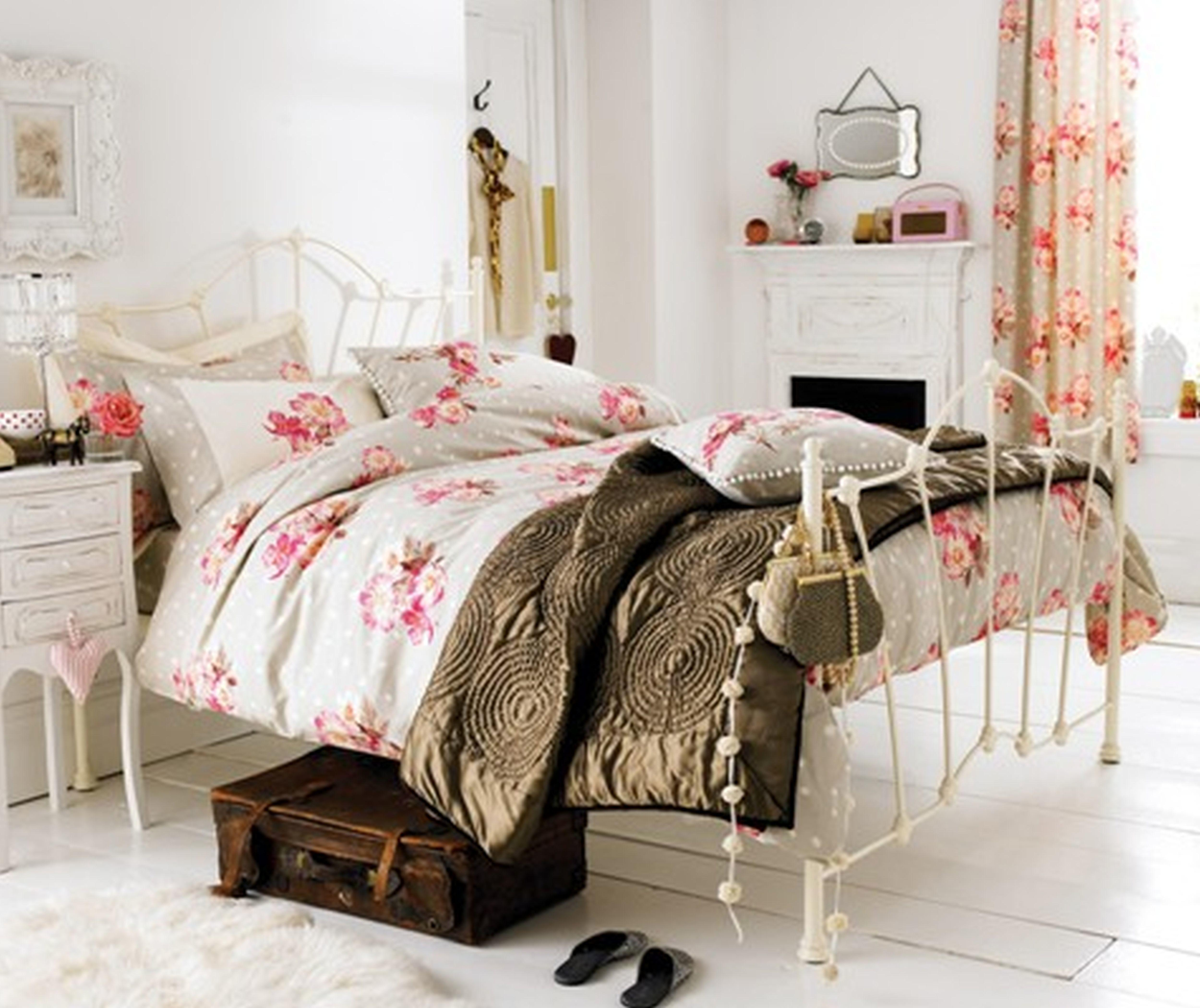 Latest Interior Design Magazine Zaila Cute Bedroom