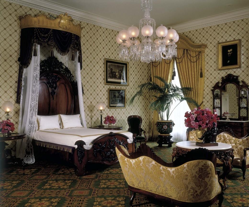 Lincoln Bedroom Refurbishing Famous White House