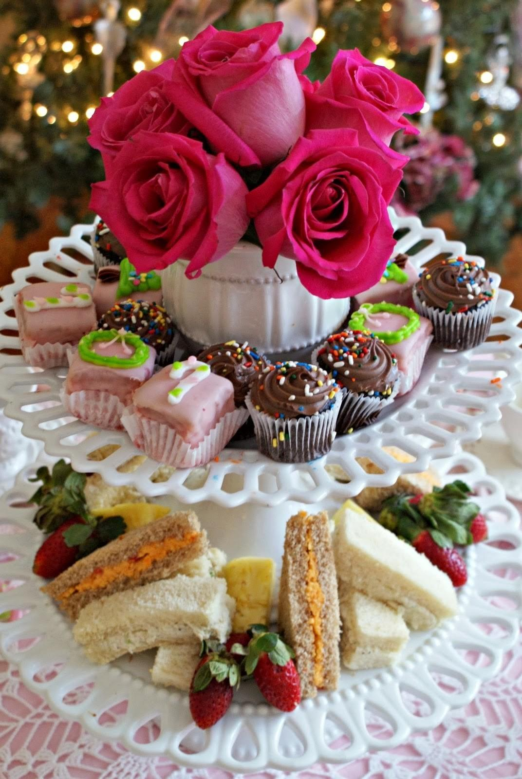 Little Loveliness Christmas Candy Tea