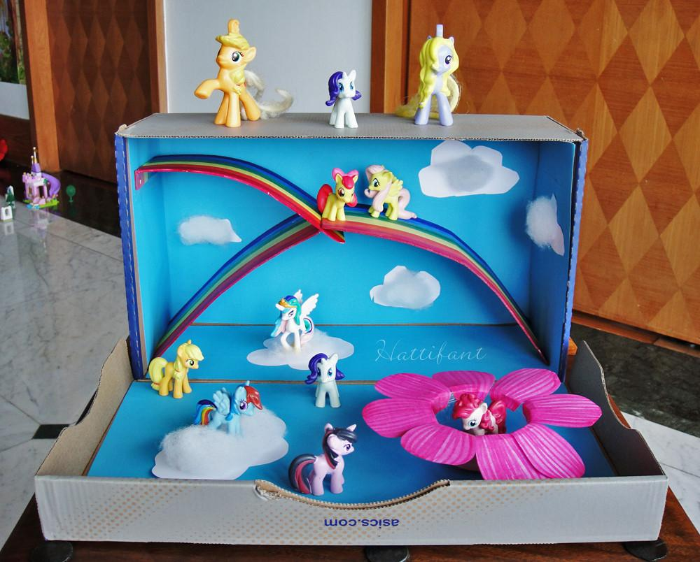 Little Pony Magical World Out Shoe Box Hattifant