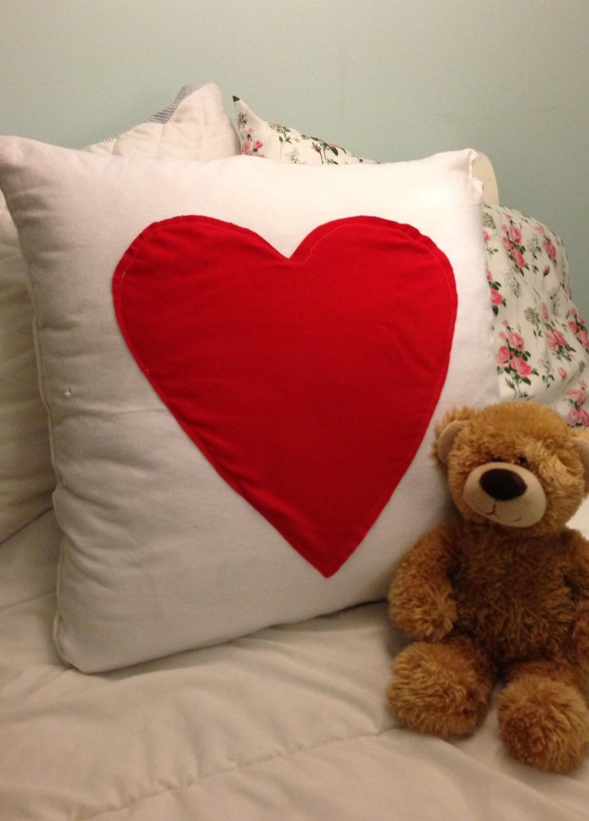 Little Things Diy Heart Pillow Case Tutorial