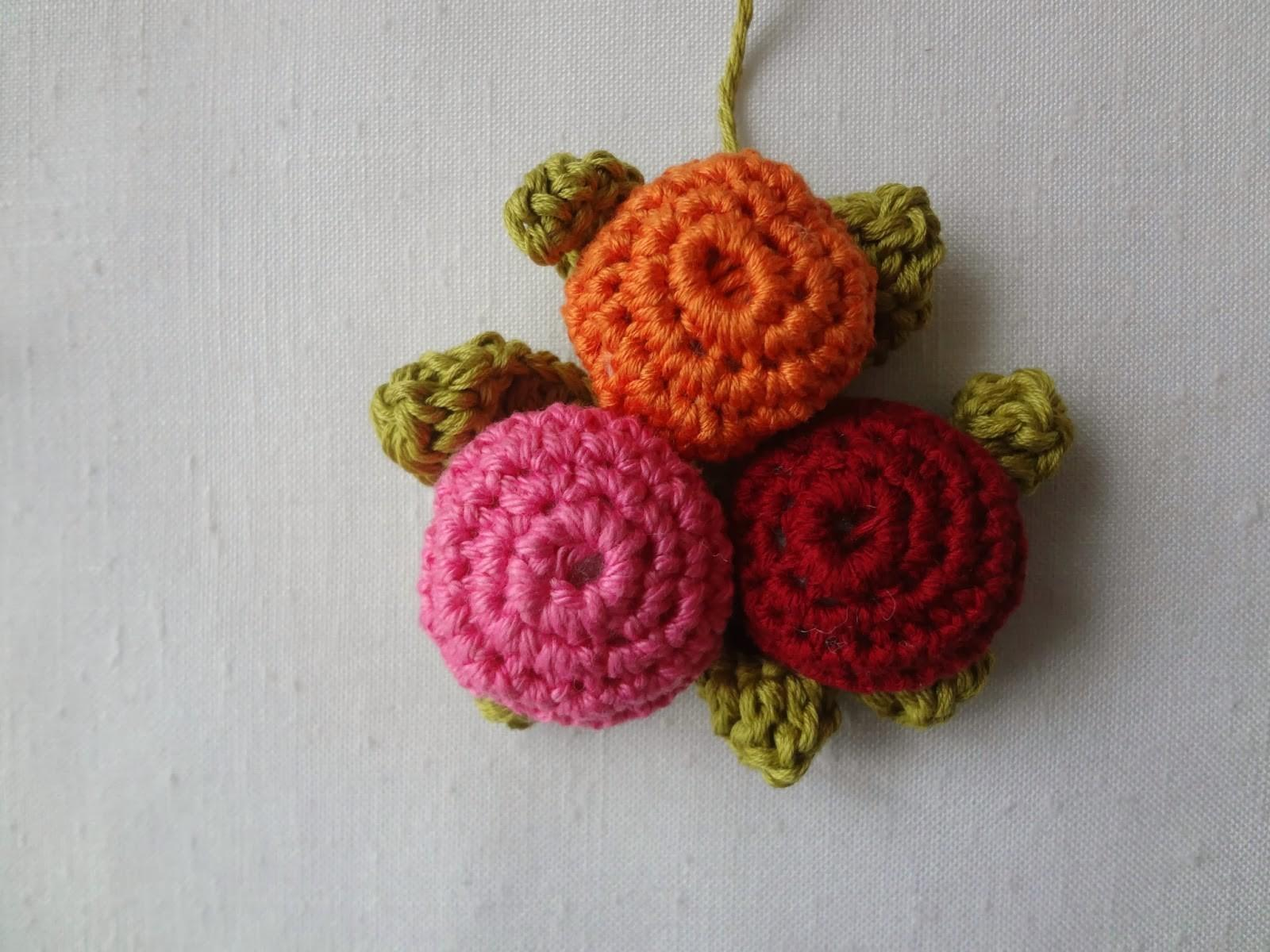 Little Treasures Crochet Button Necklace Pattern
