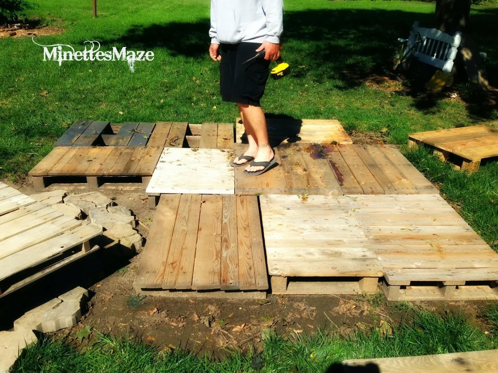 Love Junk Outdoor Pallet Deck Minettes Maze