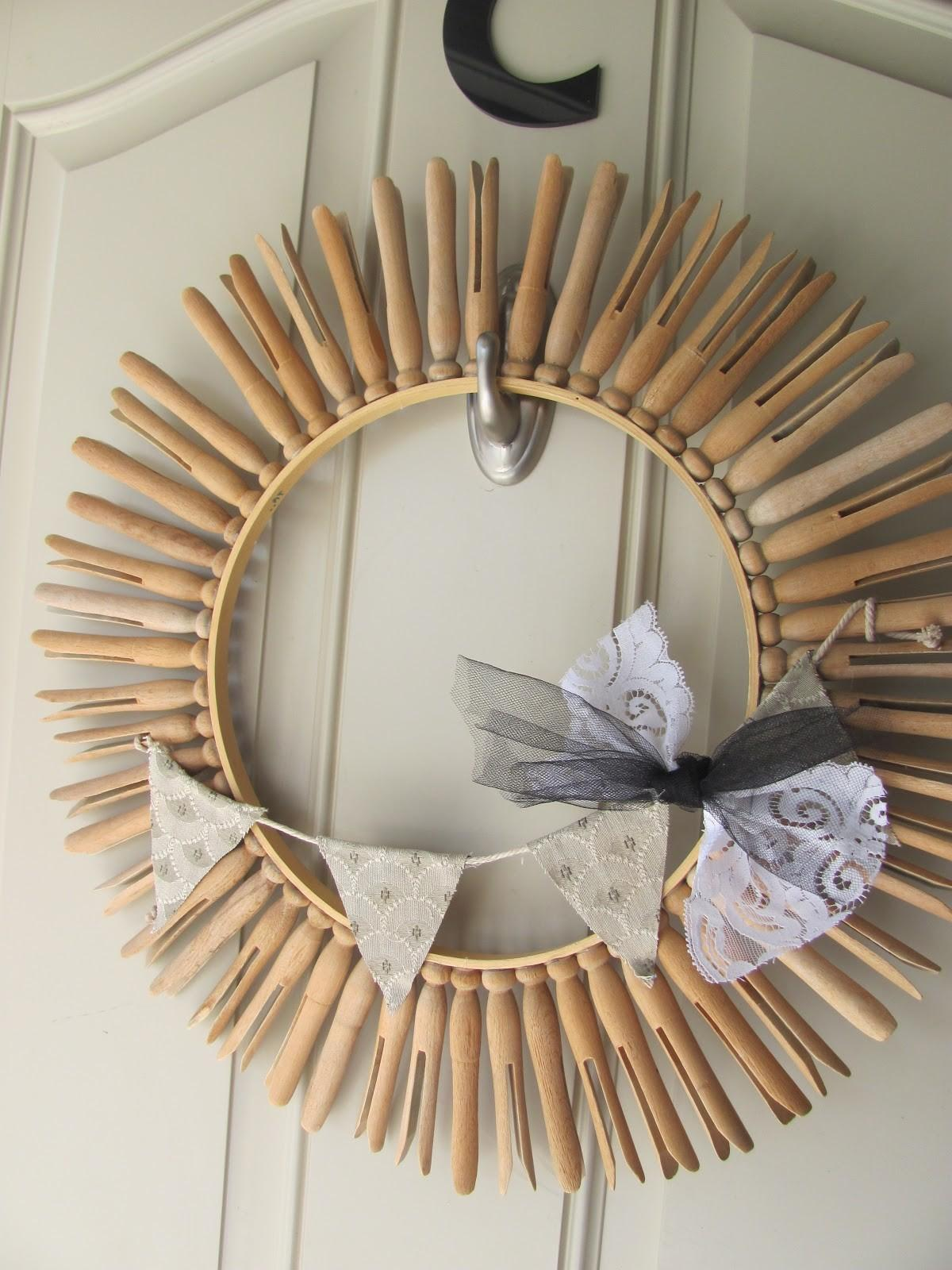 Love Notes Lauryn Clothespin Wreath Remembering