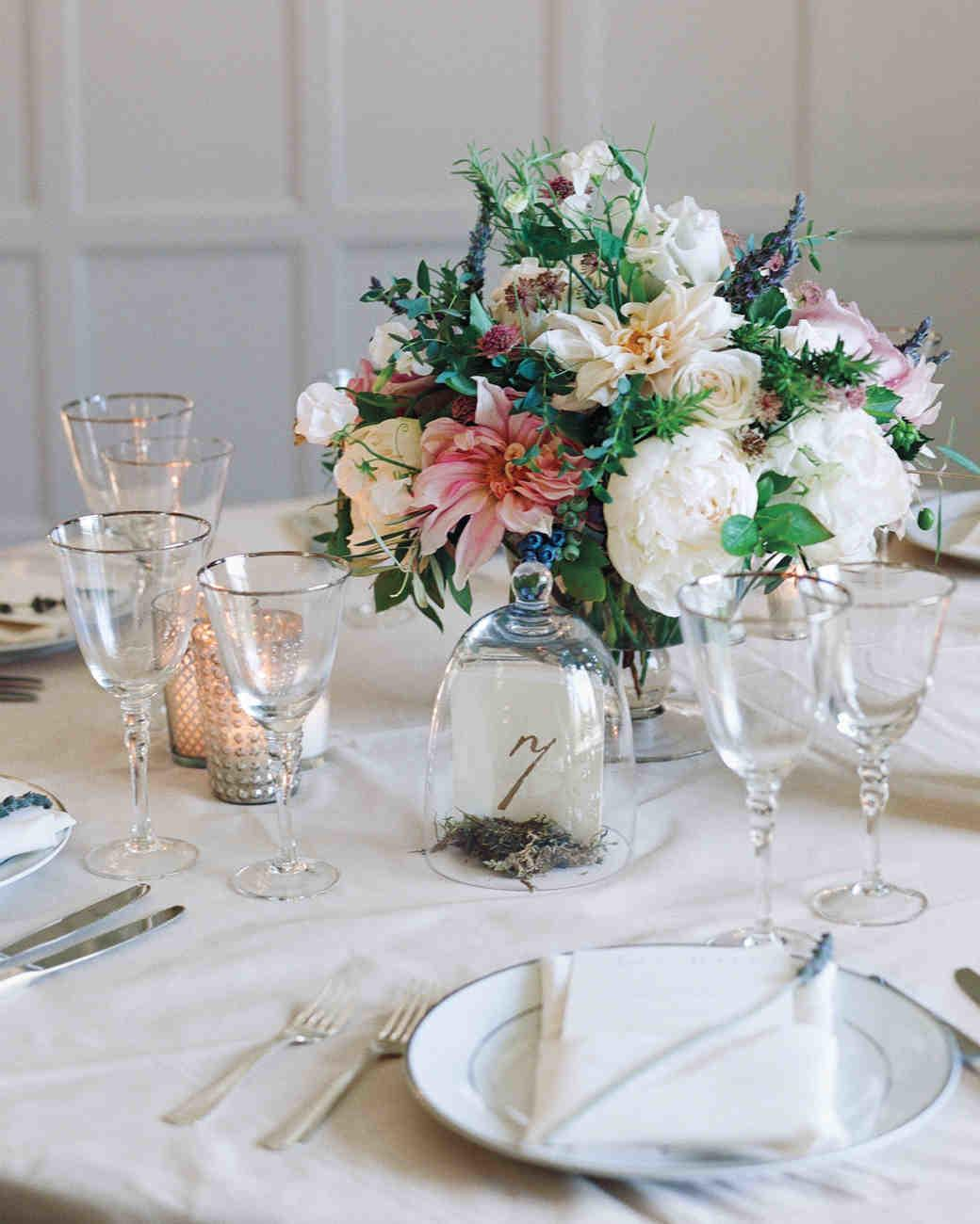 Lovely Elegant Tables Settings Wedding Centerpieces