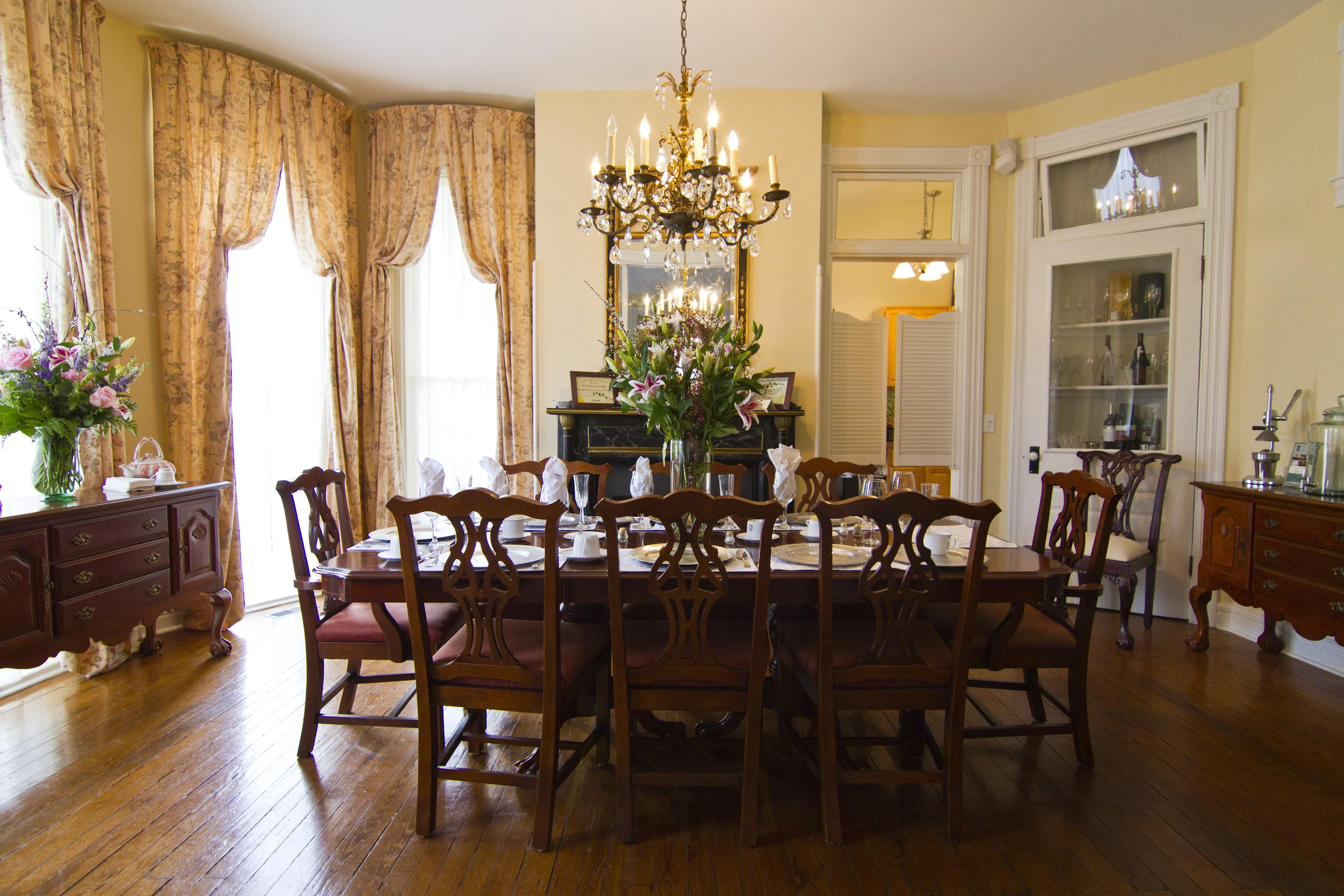 Lovely Formal Victorian Dining Room Sets Light