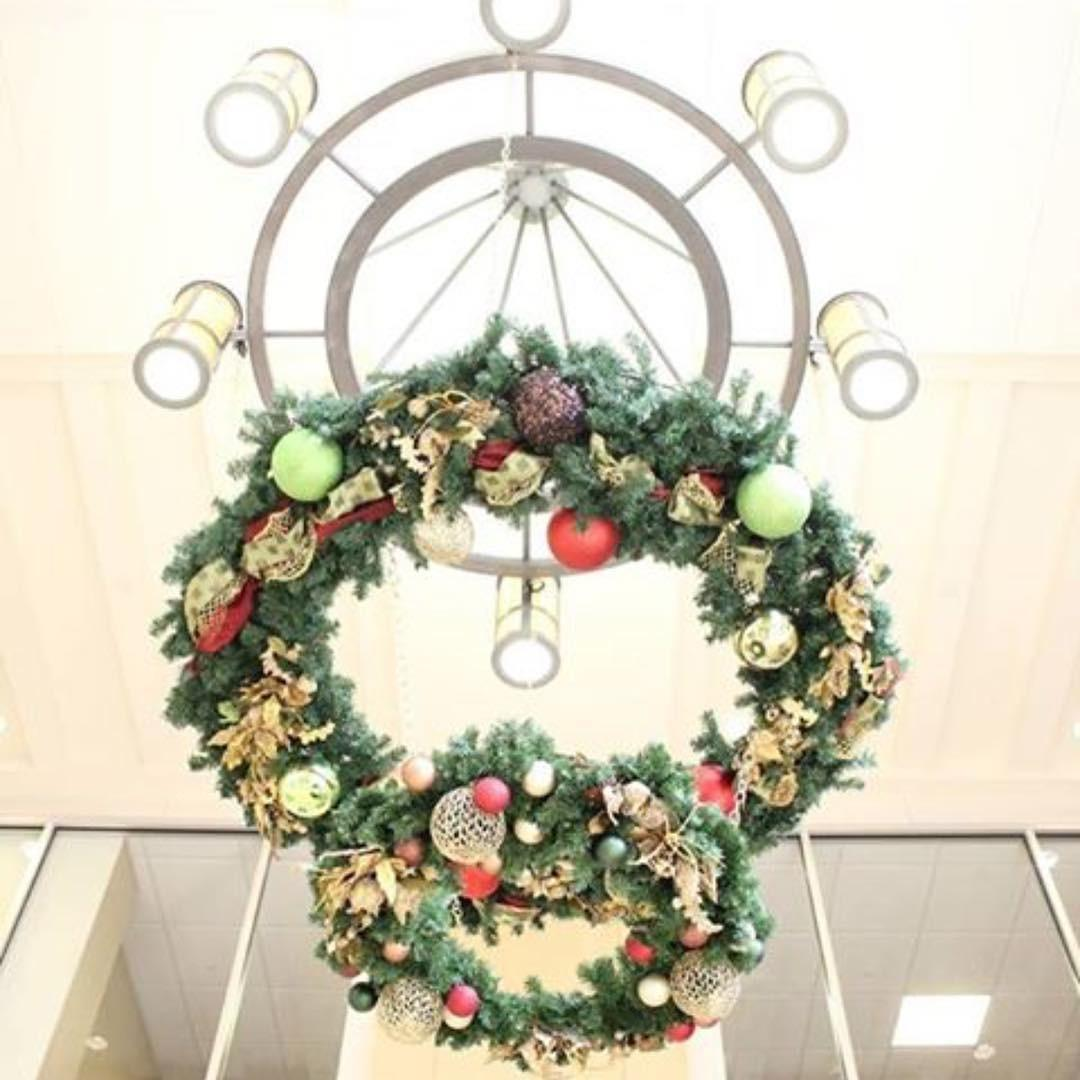 Lovely Graceful Christmas Chandelier Decoration