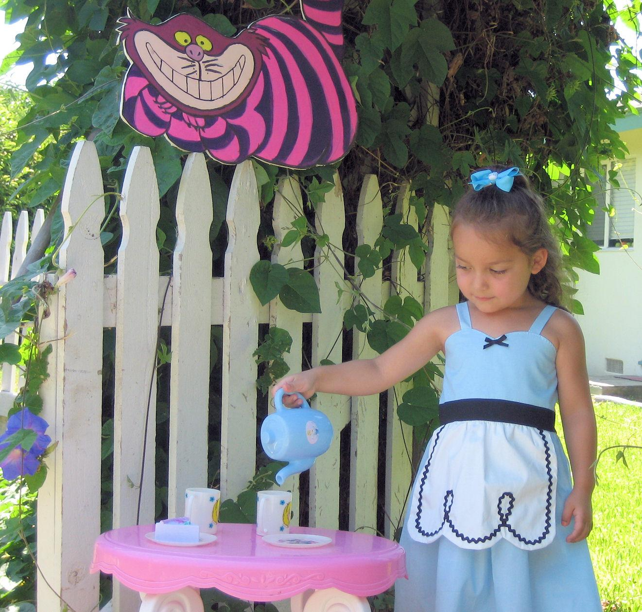 Loverdoversclothing Alice Wonderland Party Ideas