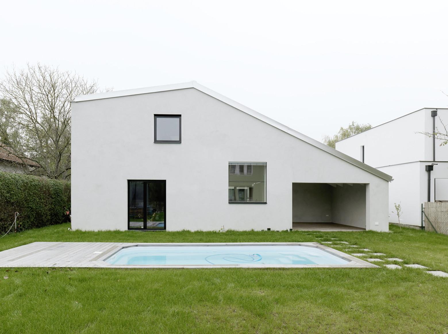Low Budget Brick House Triendl Fessler