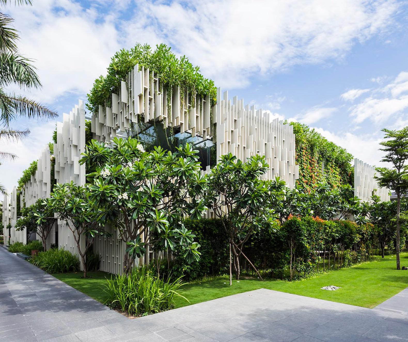 Lush Living Plants Engulf Green Roofed Pure Spa