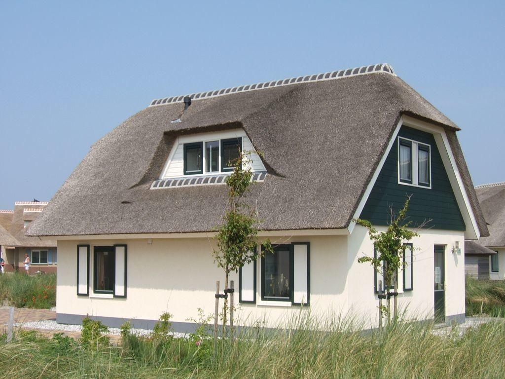Luxurious Dune Villa Thatched Roof 500