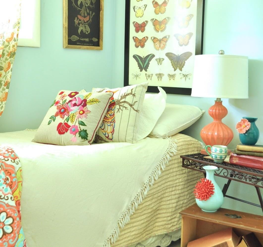Magnificent Flowers Bohemian Bedroom Furniture Ideas