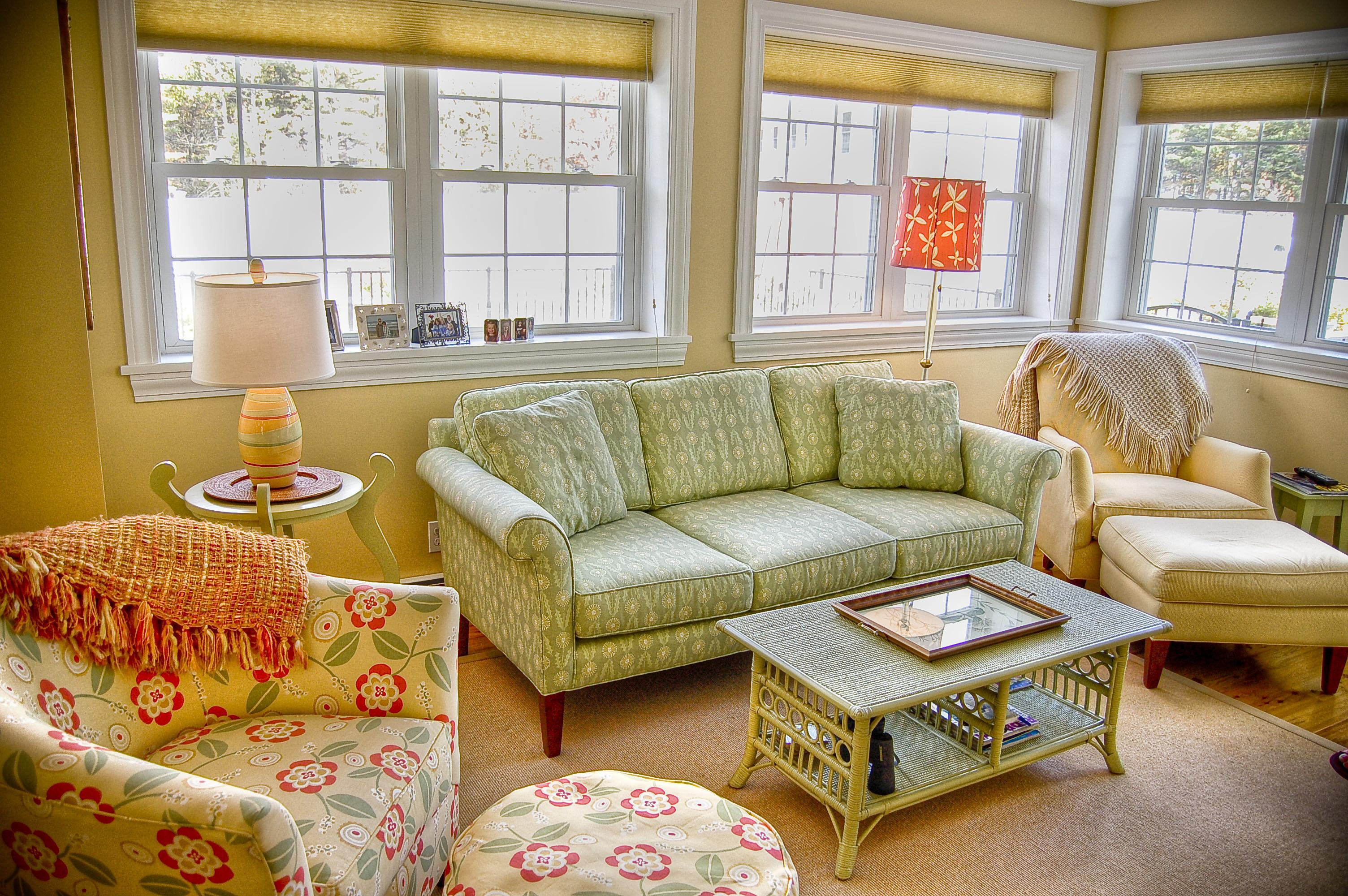 Maine Cottage Furniture Beautiful Table Green